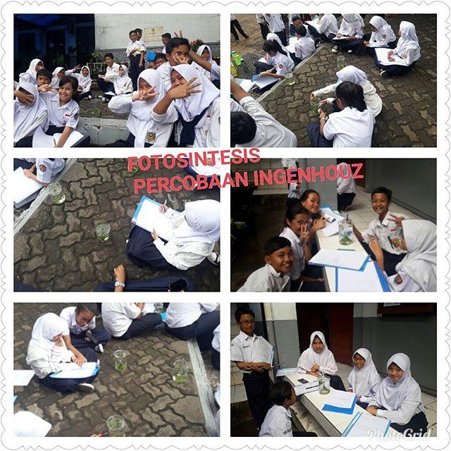 Sahabat 12, kami sedang melakukan percobaan ingenhouz, untuk membuktikan bahwa proses fotosintesis menghasilkan Oksigen...senangnya belajar di luar kelas ...12 Berprestasi!!!